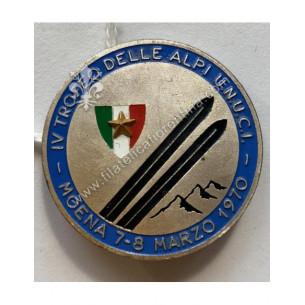 Distintivo del IV° Trofeo...